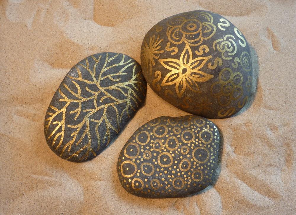steine bemalen top steine mit schriften verzieren with steine bemalen affordable steine. Black Bedroom Furniture Sets. Home Design Ideas